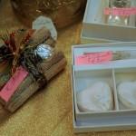 Cuoricini profumati in scatola con argento